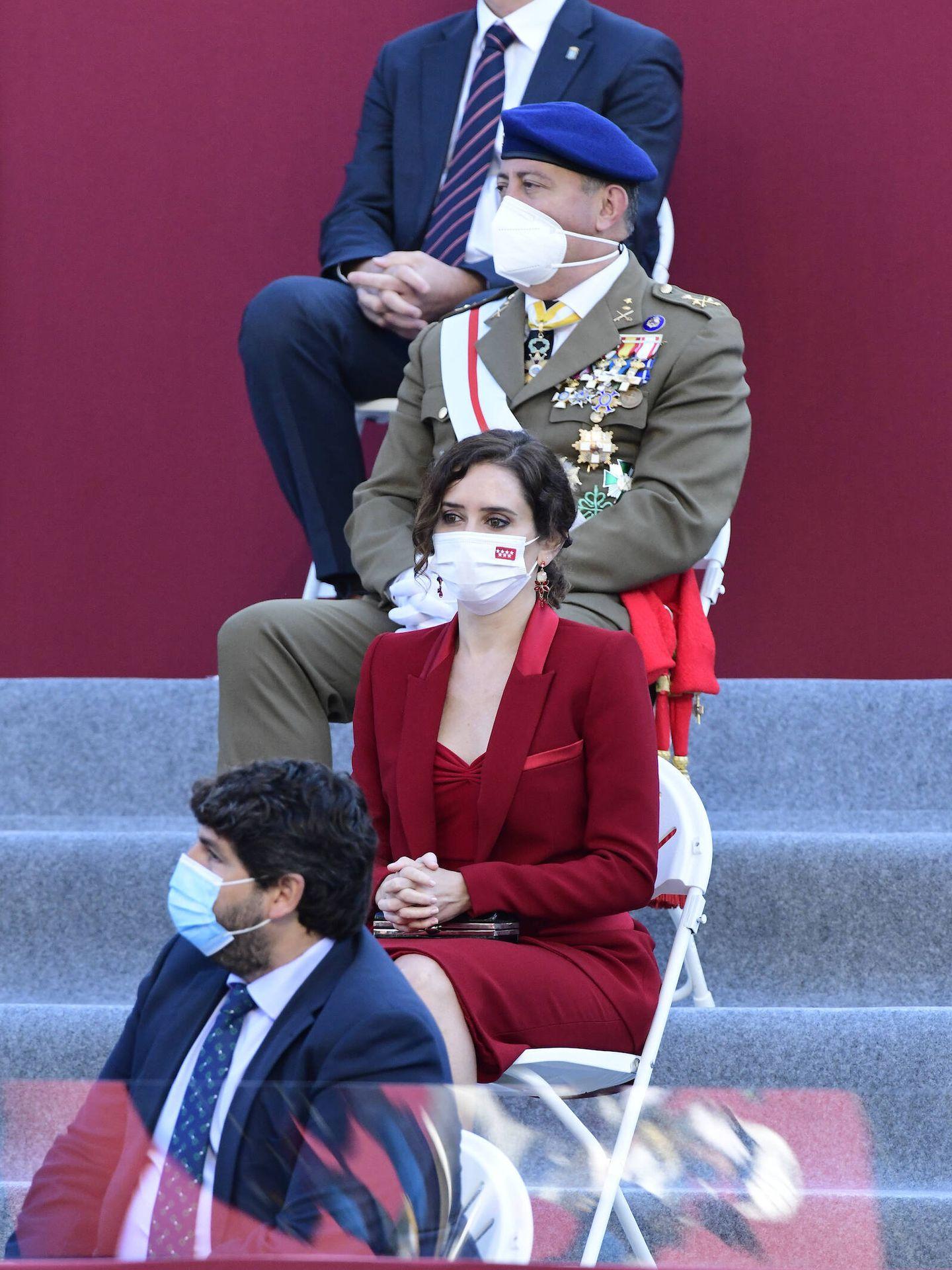 Isabel Díaz Ayuso, ya colocada en su puesto. (Limited Pictures)