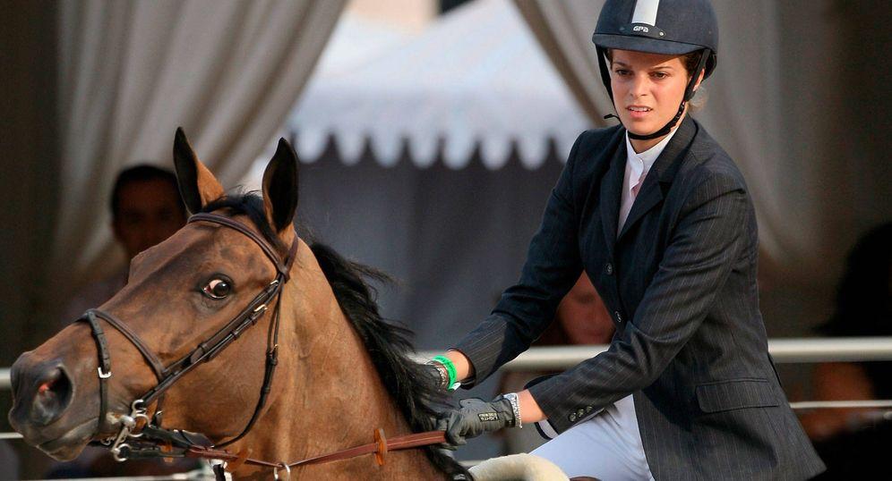 Foto: Athina Onassis se refugia en los caballos. (Getty)