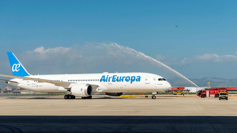 Los pilotos de Air Europa Express tendrán que pagar los cursos exigidos por la empresa