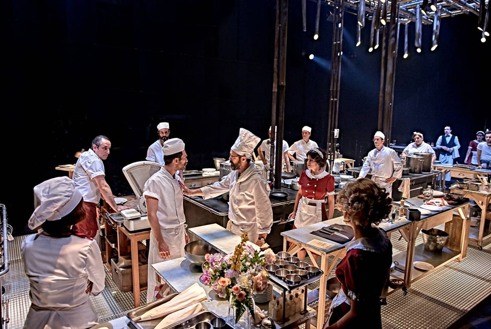 Teatro el mundo es una cocina la obra m s descomunal del for La cocina de sergio