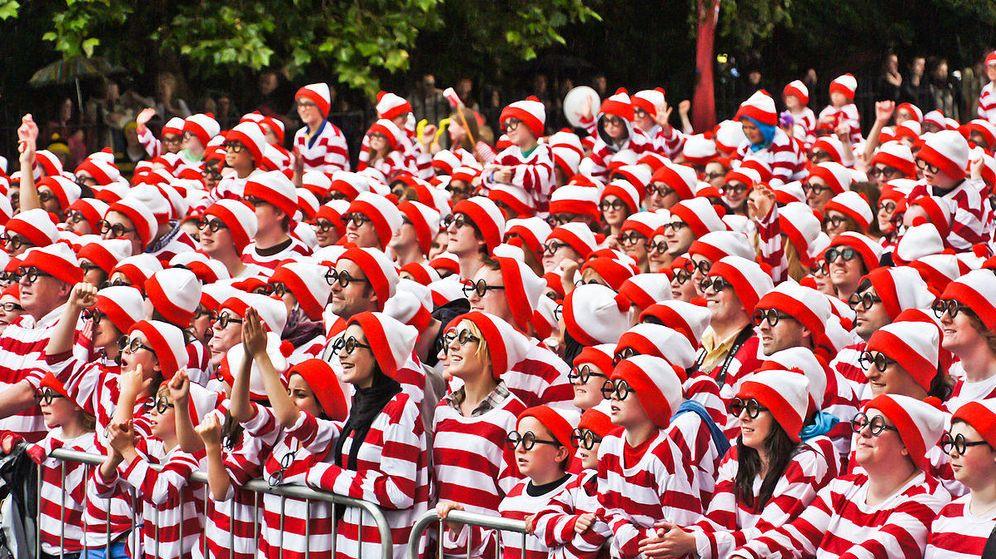 Foto: Miles de personas disfrazadas de Wally consiguieron un récord en Dublín, Irlanda, en 2011 (CC/Animalparty)