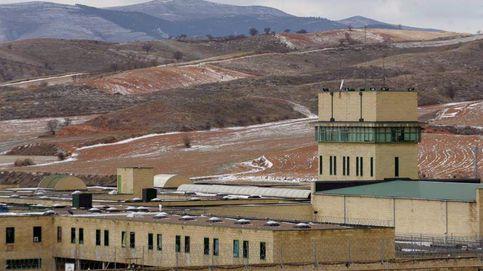 Heridos cinco funcionarios en la prisión de Daroca por el ataque de un preso