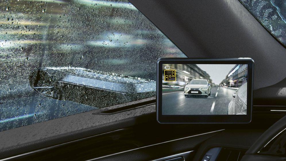 Foto: Las pantallas van situadas en la posición más próxima al clásico retrovisor.