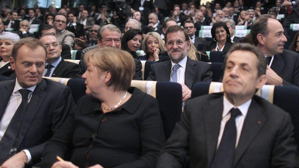 Foto: Mariano Rajoy,el presidente francés, Nicolas Sarkozy, y la canciller federal alemana, Angela Merkel. (EFE)