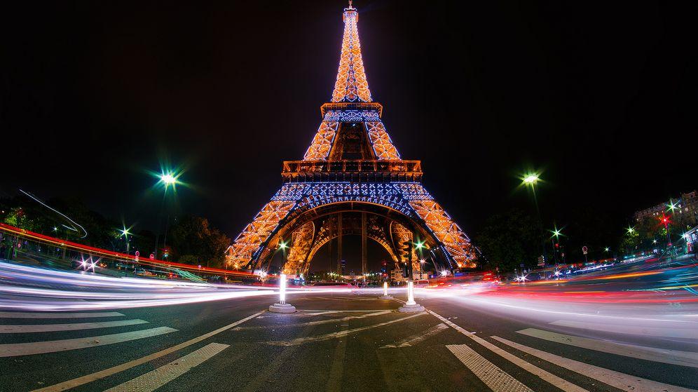 Foto: Aniversario de la construcción y la inauguración de la Torre Eiffel (EFE)