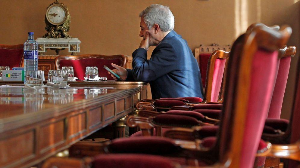 Foto: El portavoz de IU en el parlamento asturiano, Gaspar Llamazares. (EFE)