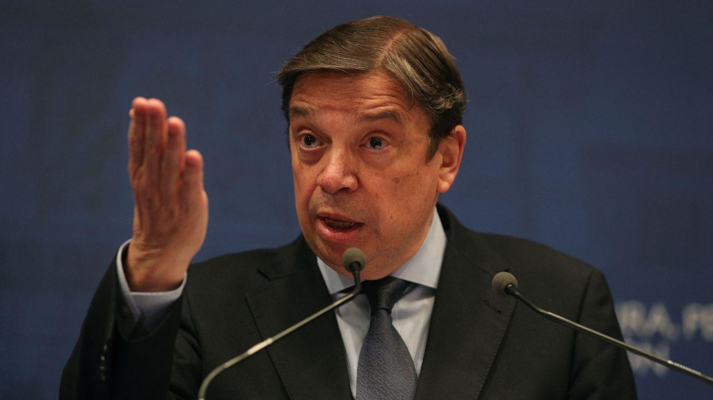 El ministro Luis Planas, en una rueda de prensa. (EFE)