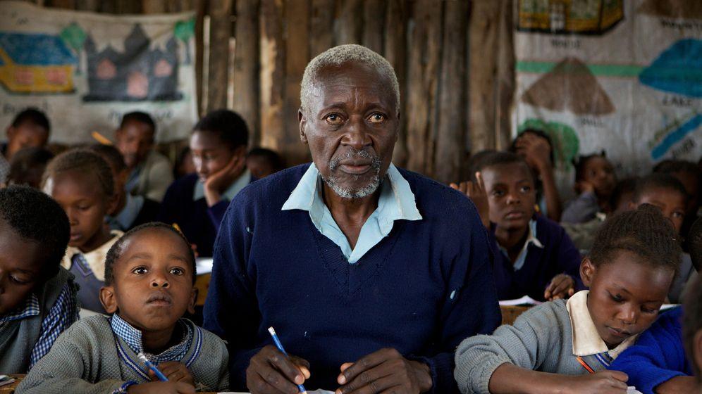 Foto: Fotograma de la película 'The First Grader'. La historia real de un anciano de 84 años que, después de haber luchado por liberar a su país (Kenia), vuelve a la escuela.