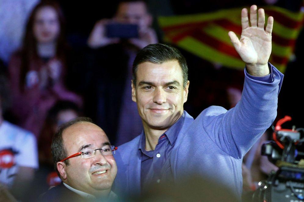 Foto: Pedro Sánchez y Miquel Iceta, en el mitin de cierre de campaña de los socialistas para el 10-N. (EFE)