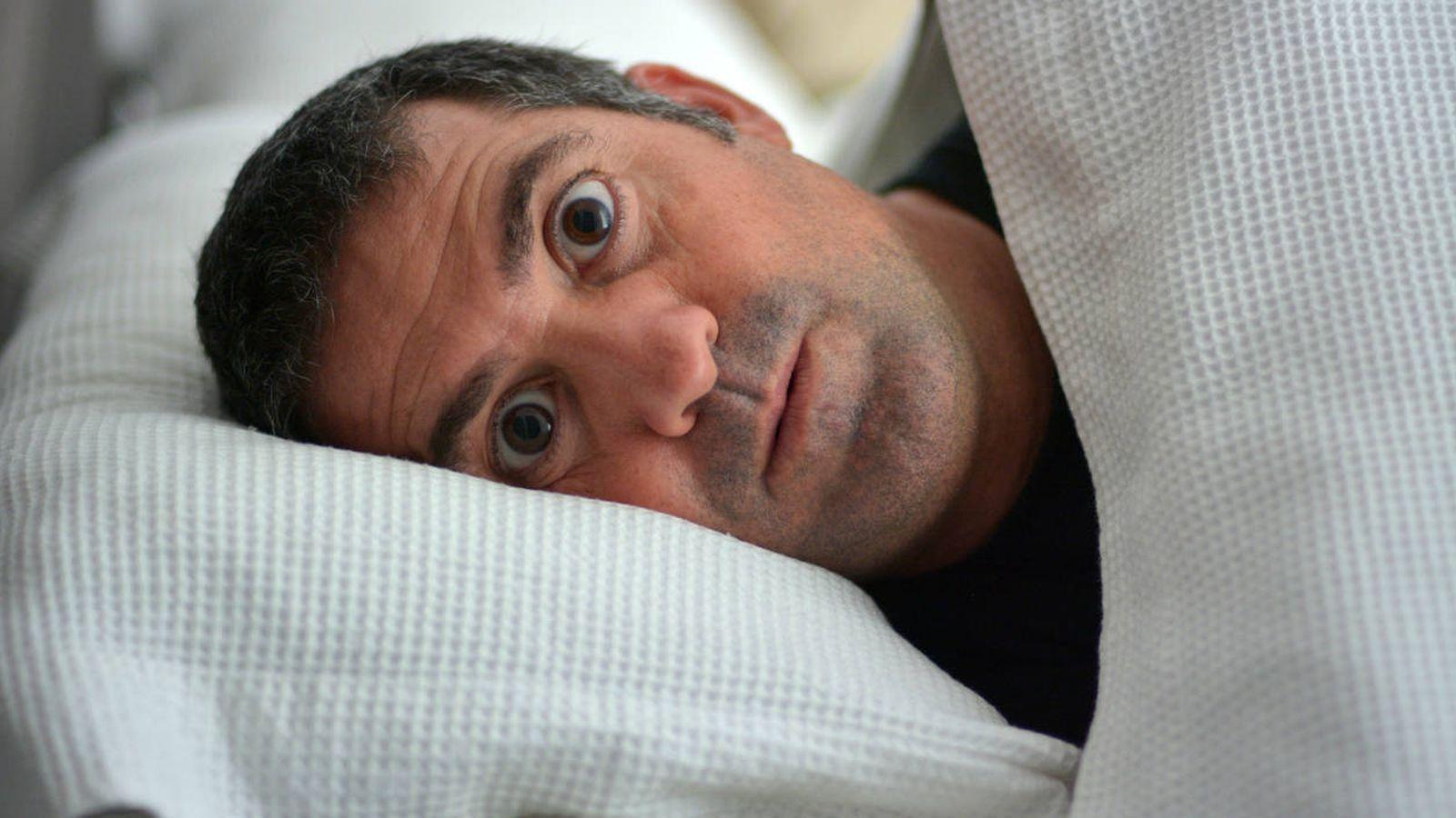 Foto: Algunos mitos no solo no ayudan a dormir sino que provocan el efecto contrario. (iStock)