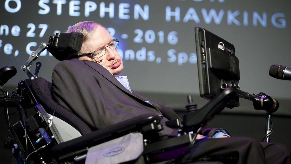 Foto: El físico dando una charla este pasado junio. (Efe/Ramón de la Rocha)