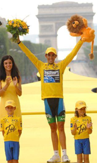 Foto: Alberto Contador, segundo español que gana la 'Bicicleta de Oro' tras Indurain