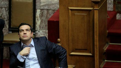 Bruselas suspende ayudas a la deuda griega tras aplicar Tsipras medidas antiausteridad