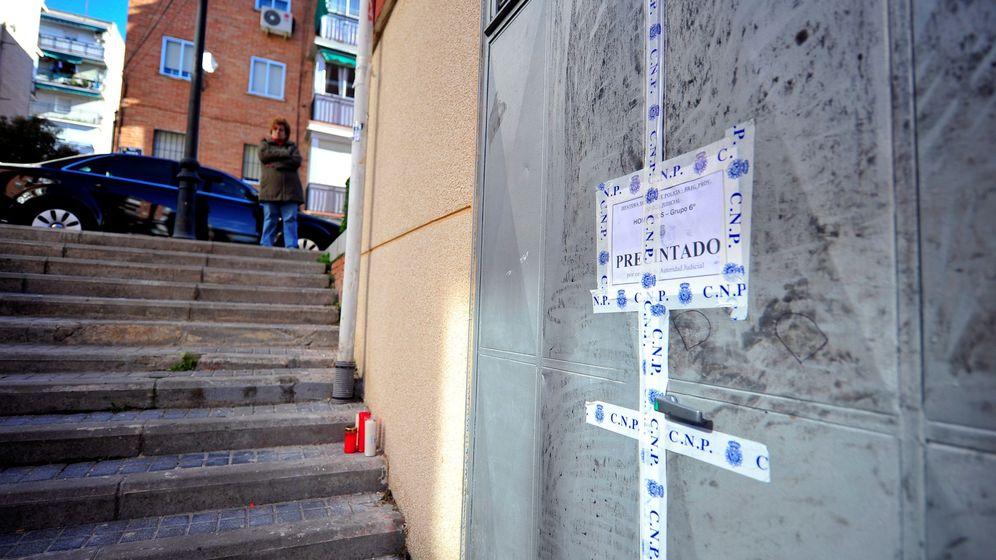 Foto: Lugar en el que Denisa, de 17 años, fue apuñalada en Alcorcón. (Efe)