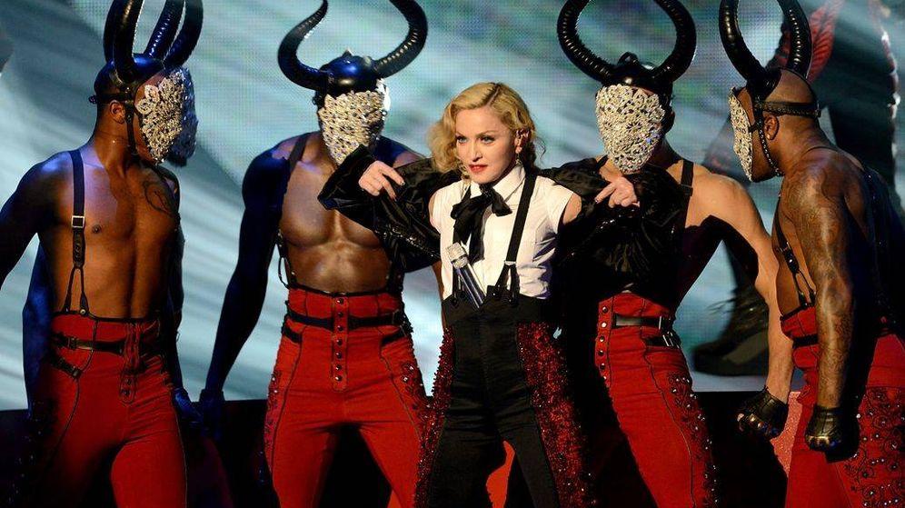 Foto: Madonna durante una actuación en los BRIT Awards.