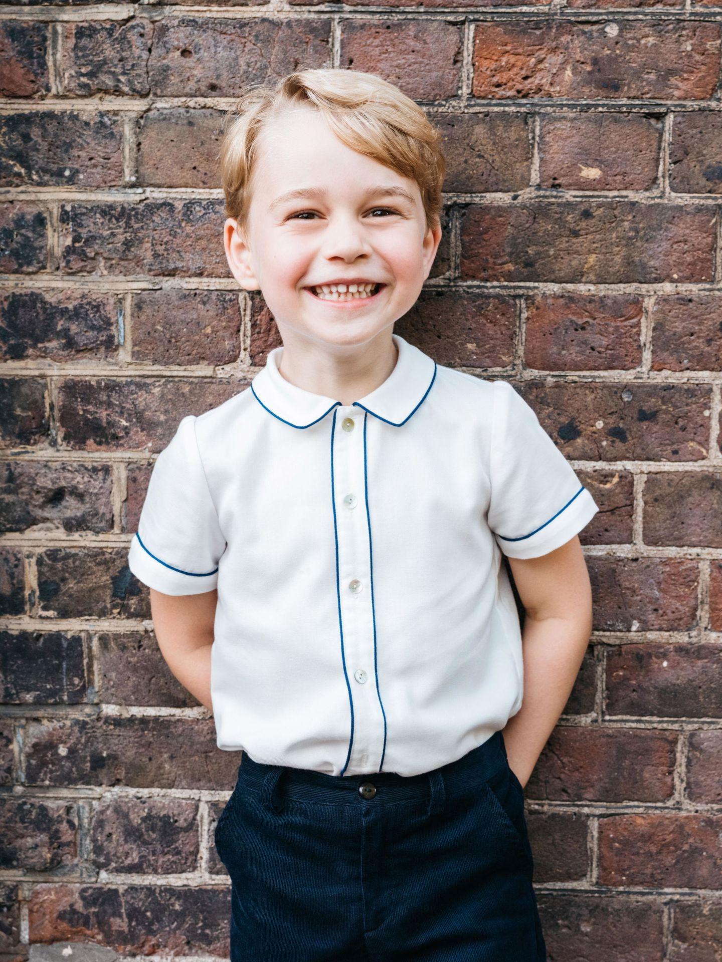 Foto oficial del príncipe George por su 5º cumpleaños. (EFE)