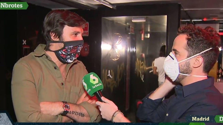 Un reportero de La Sexta en una discoteca madrileña. (Atresmedia).