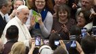 El papa descarta la posibilidad de ordenar sacerdotes a hombres casados