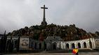 El Valle de los Caídos cierra entre banderas retiradas y conatos de tensión