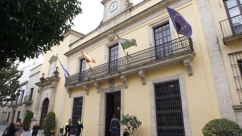 El Ayuntamiento de Jerez denuncia una de espías : una clave y 4.500 expedientes