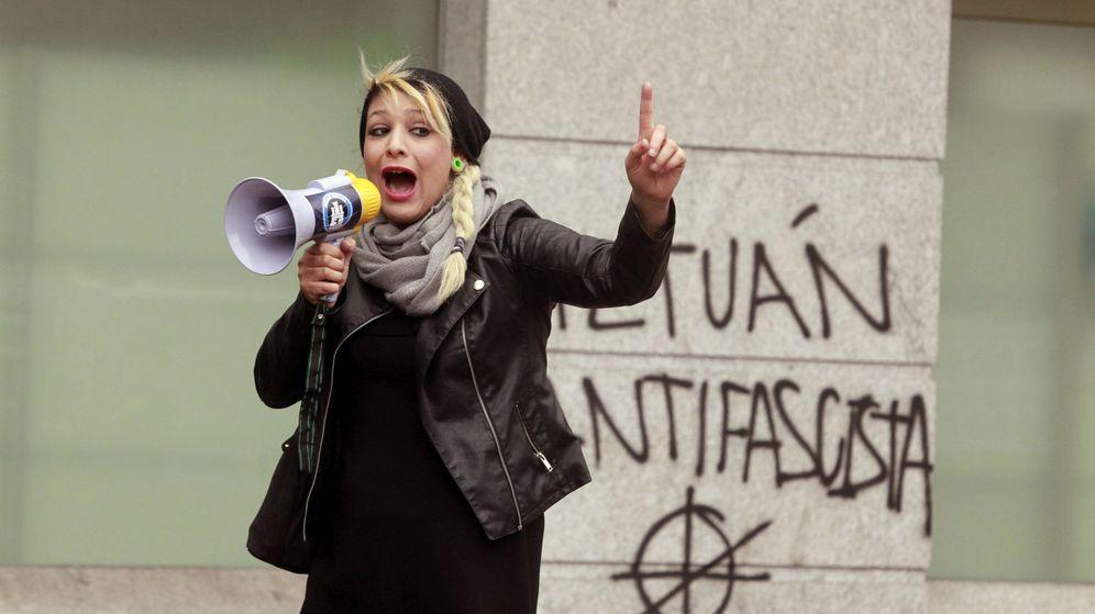 Foto: Imagen de archivo de Melisa Domínguez, representante de Hogar Social Madrid que este sábado se unió a una de las protestas de los chalecos amarillos. (EFE)