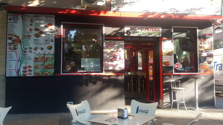 El 20% de los clientes de este local de 'kebabs' hoy pide sacarina con el café. (M.V)
