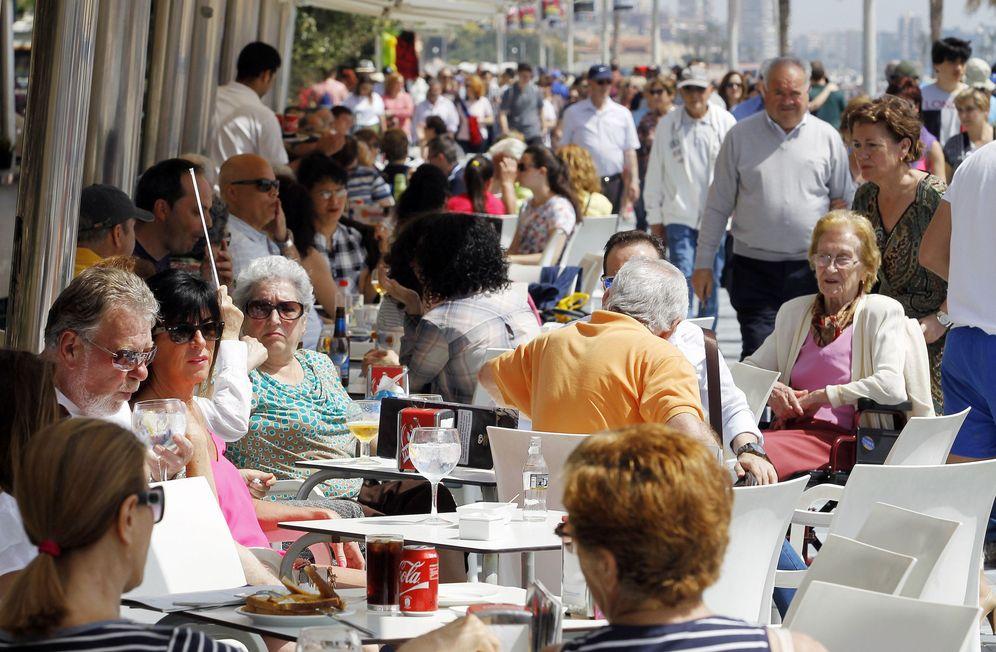 Foto: Ahí andan, gastando dinero en lugar de formarse. (Joaquín P. Reina)