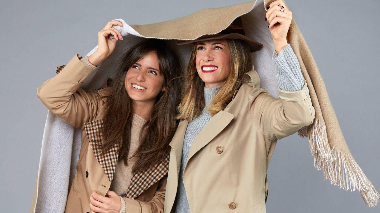 Carmen e Isabel llevan jersey de Mango y trech de Claudie Pierlot. (Foto: Olga Moreno)
