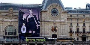 Los museos europeos se prostituyen para mantenerse a flote: se 'visten' de publicidad