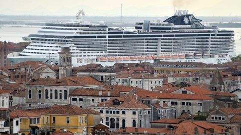 Venecia, en peligro: los turistas que visitan sus canales la están destrozando