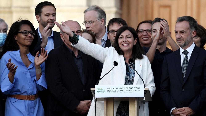 Foto: La alcaldesa de París, Anne Hidalgo celebra su victoria en la segunda vuelta de las elecciones municipales francesas. (EFE)