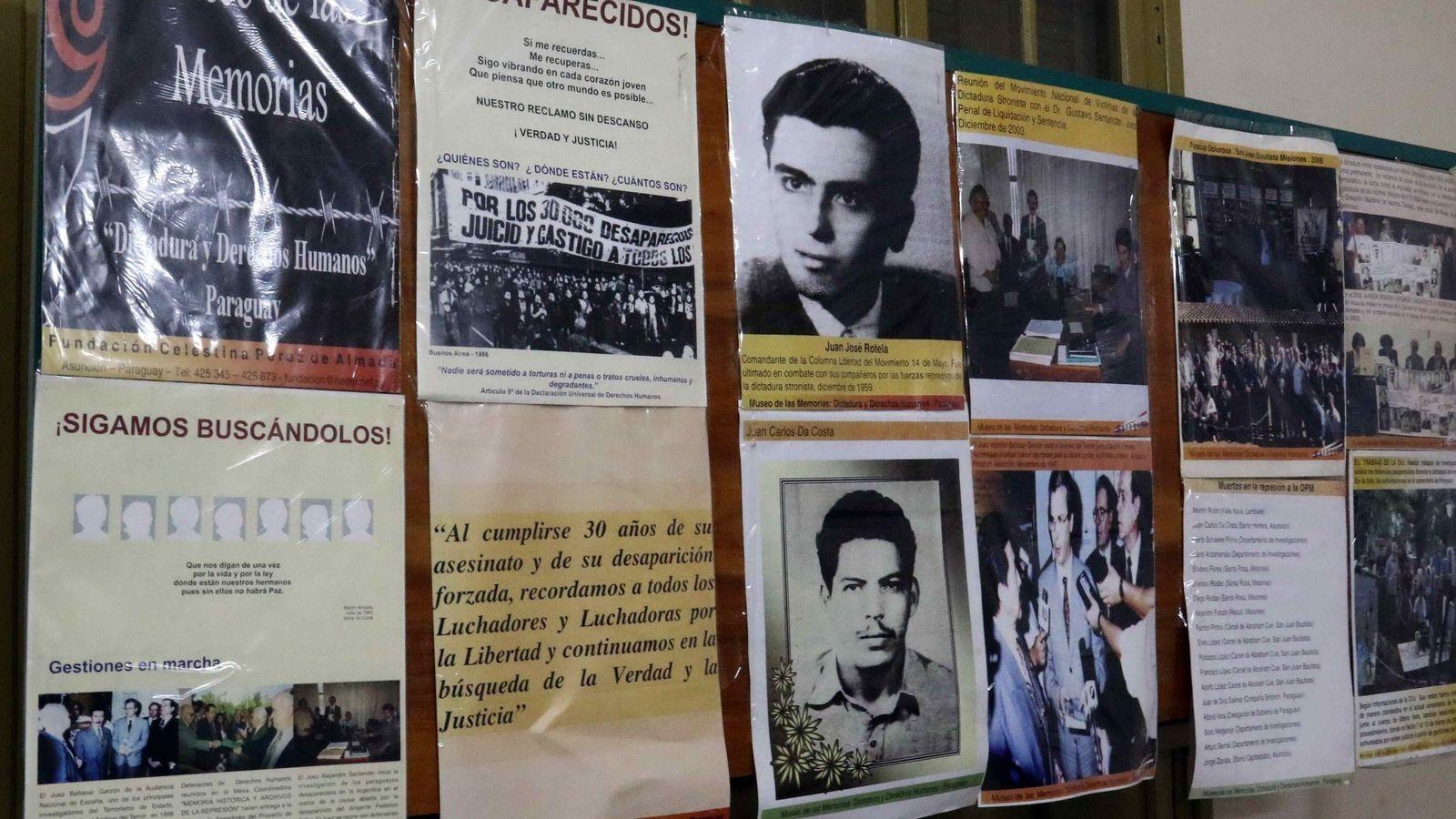 Foto: Carteles con imágenes de desaparecidos en el Museo de las Memorias de Asunción, Paraguay. (EFE)