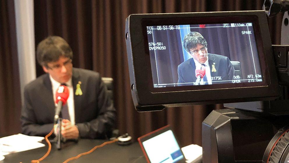 Puigdemont crea una administración virtual para vender los DNI de la nueva república