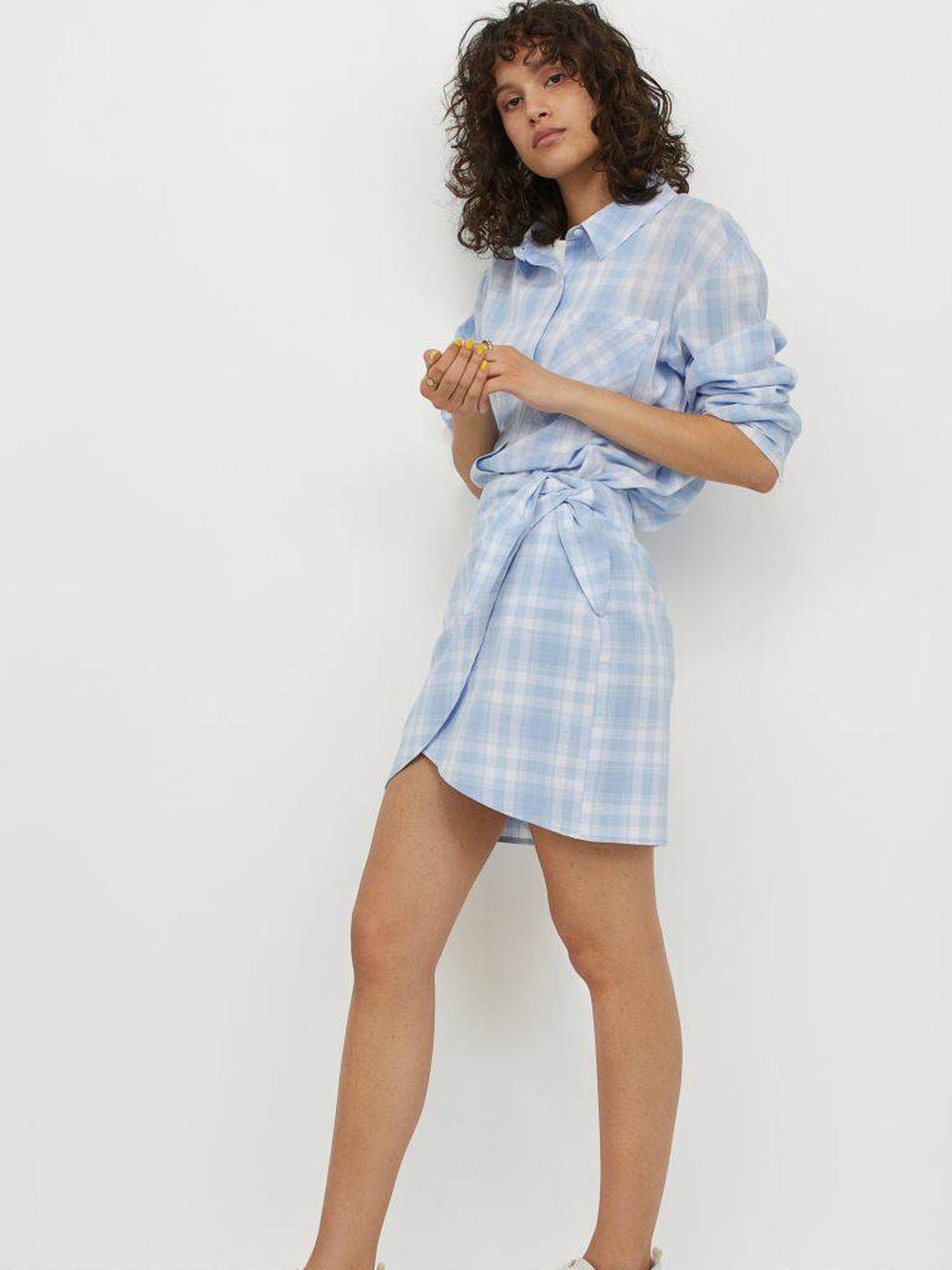 La minifalda pareo de HyM en su versión estampada. (Cortesía)