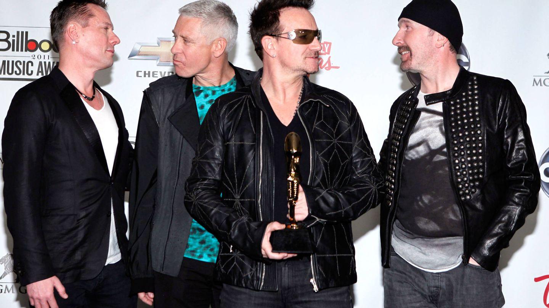 Bono, con el resto de su banda. (Getty)