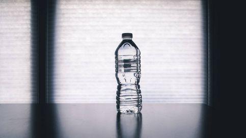El sector del agua alerta de que falta plástico reciclado para las botellas