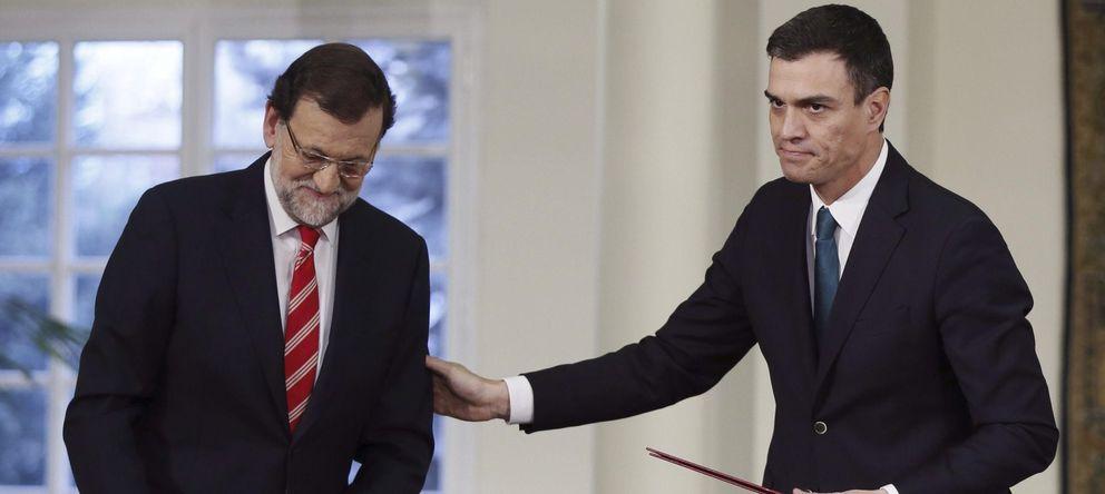 Foto: Mariano Rajoy junto a Pedro Sánchez (EFE)