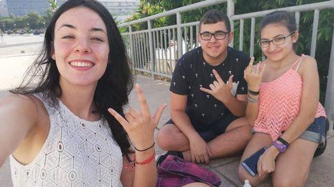 48 días en la calle esperando a Malú: su club de fans se quedó tirado en Málaga