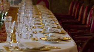 El Ritz pasa de la crisis: Fin de Año a 720 €… IVA incluido
