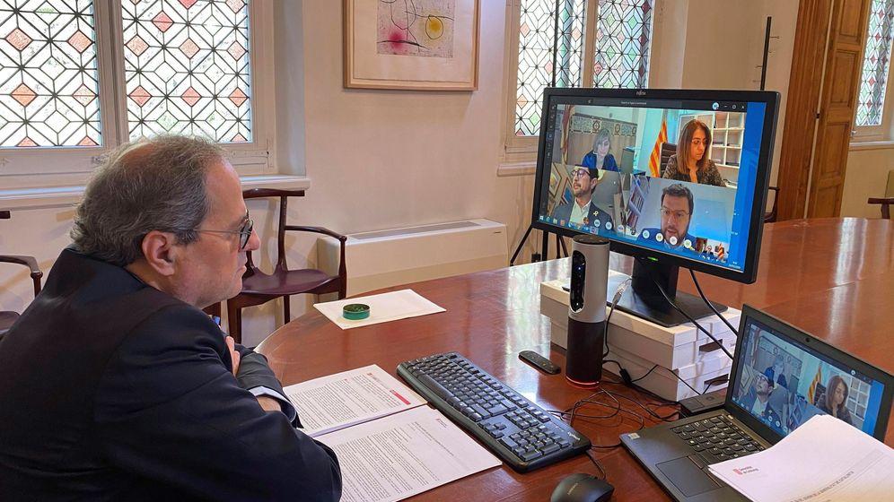 Foto: El presidente de la Generalitat, Quim Torra, encabeza la reunión semanal del Govern por videoconferencia. (EFE)