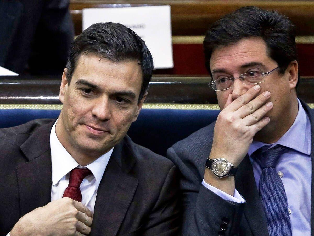 Foto: El presidente del Gobierno, Pedro Sánchez, y su jefe de gabinete, Óscar López.