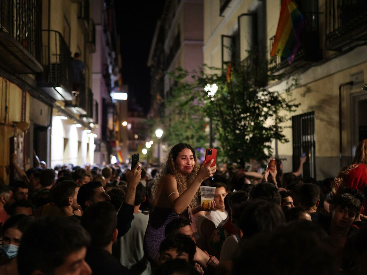 Foto: Las calles de Chueca el 4 de julio, fin de semana del Orgullo LGTBI. (EFE)