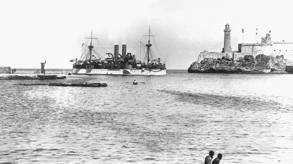 Foto: El Maine entrando en el puerto de la Habana (Wikimedia)