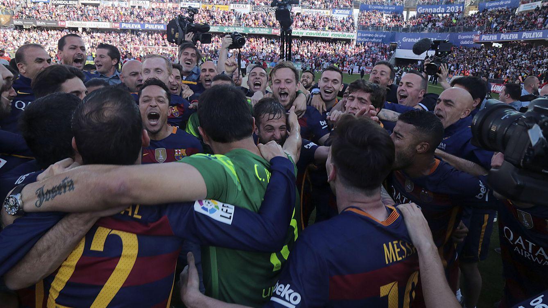 Foto: El Barcelona celebra su campeonato liguero (EFE)