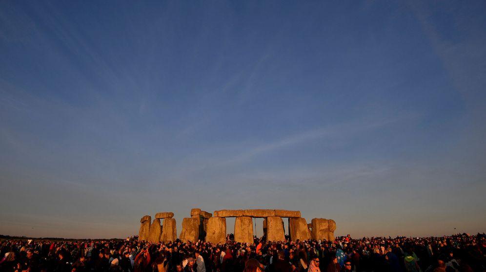 Foto: Stonehenge, durante el último solsticio de verano. (Reuters)