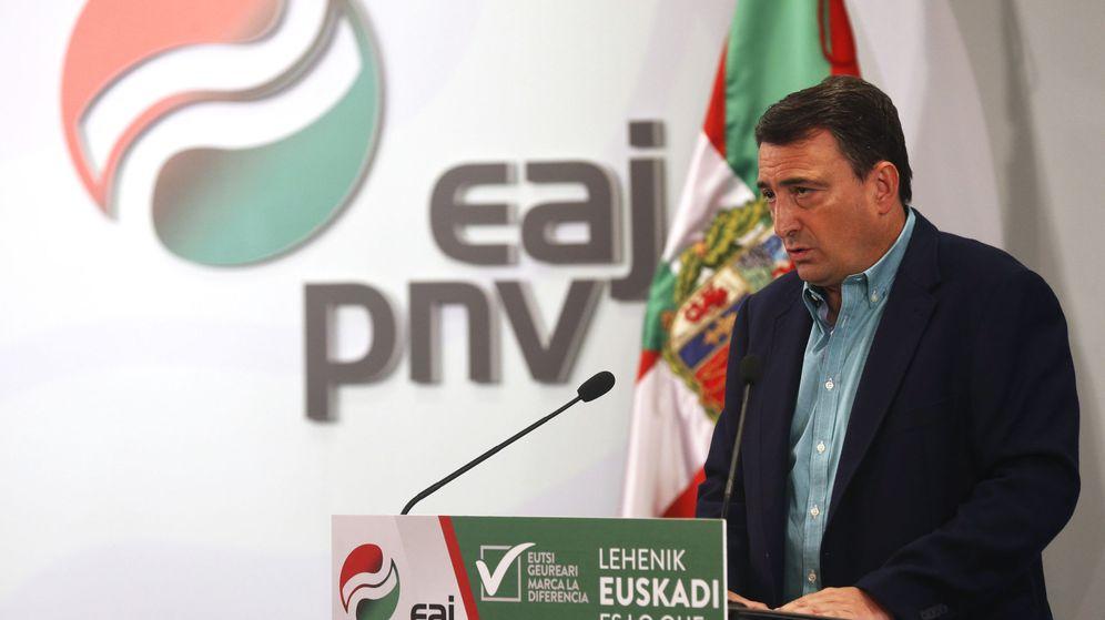 Foto: El candidato al congreso por el PNV, Aitor Esteban (Efe).