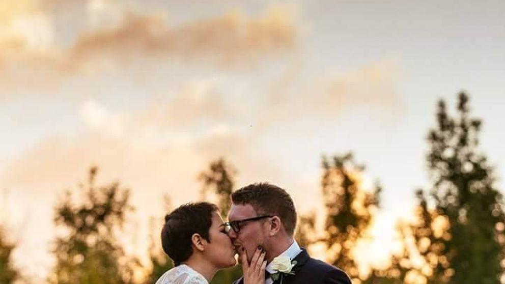 El tierno adiós de un hombre a su esposa tras morir de cáncer a los 30 años
