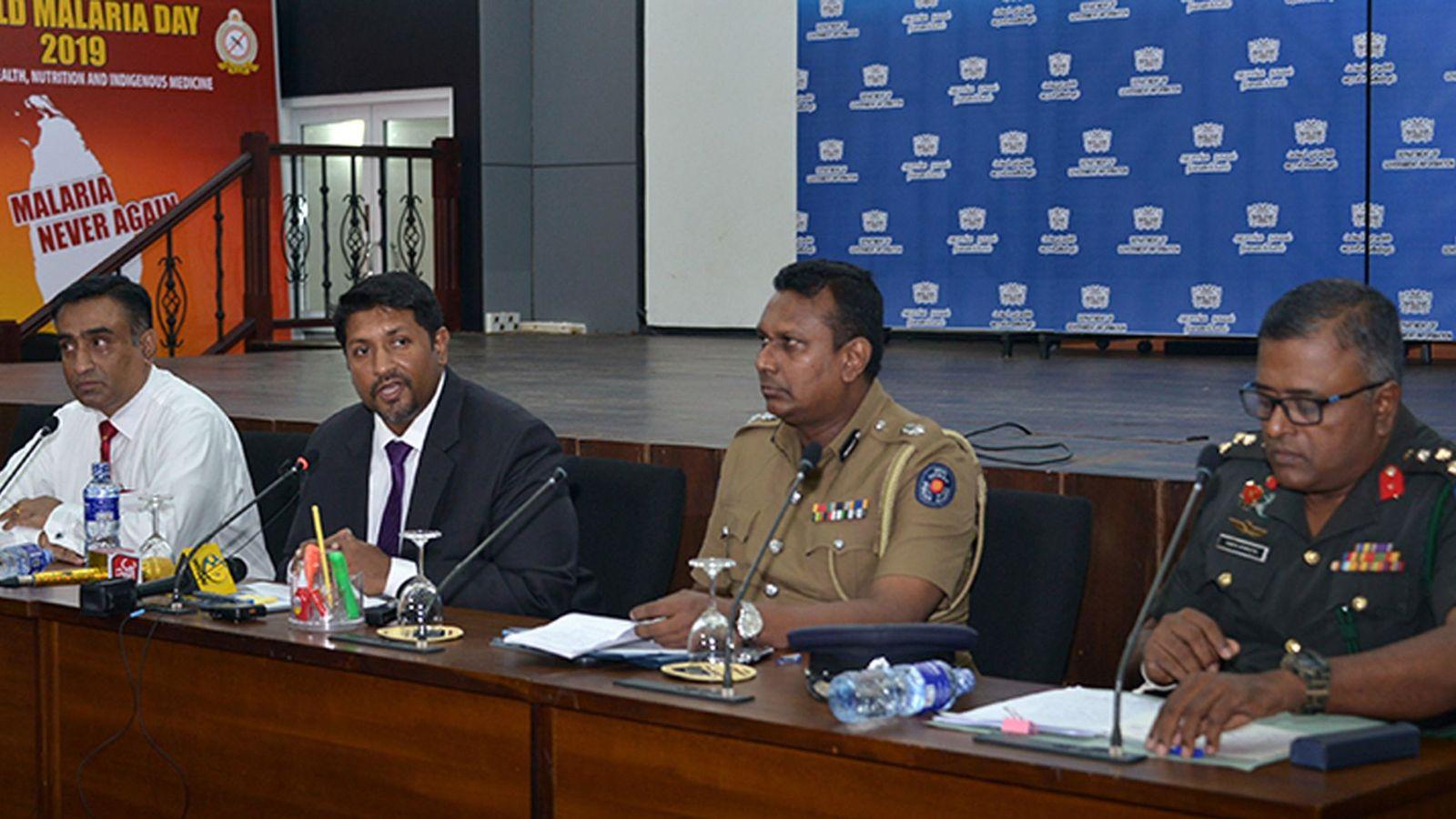 Foto: Las autoridades de Sri Lanka, en rueda de prensa (EFE)