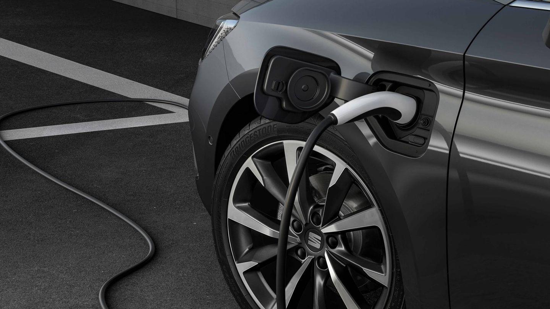 La gran novedad es el Leon eHybrid, un modelo híbrido enchufable con hasta 60 km de autonomía eléctrica.