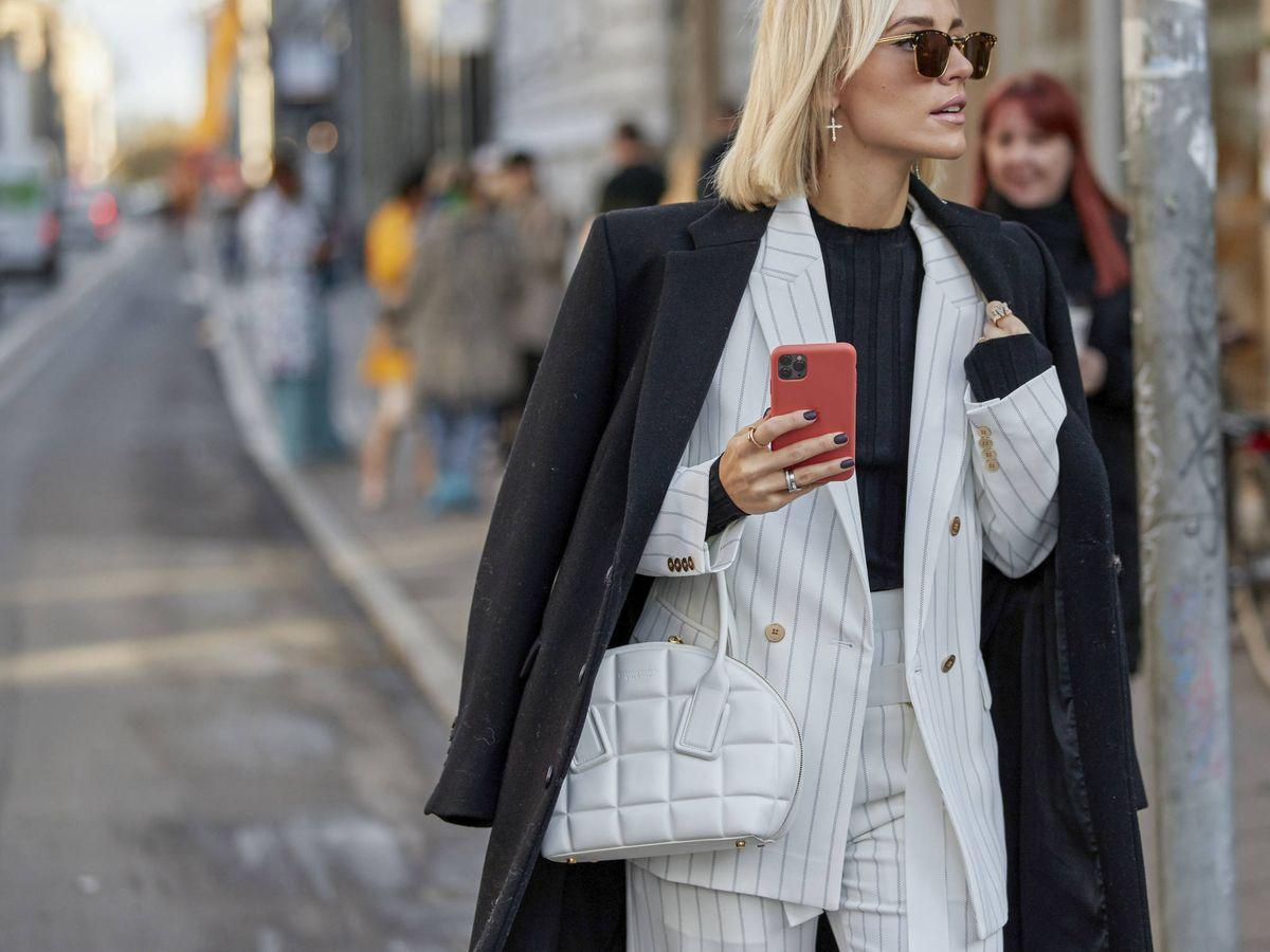 Foto: Los trajes inundan el street style de la Semana de la Moda de Copenhague. (Imaxtree)